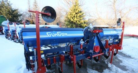 Трактори Zetor и пролетни сеялки на промо цени пускат от Стойчеви ООД