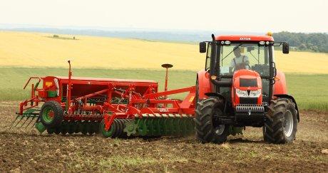 СД Стойчеви демонстрира селскостопанска техника Zetor, UNIA и Great Plains