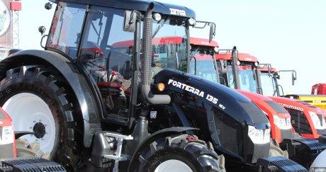 БАТА Агро : Черен трактор Zetor Forterra 135 16V на щанда на Стойчеви 57-62